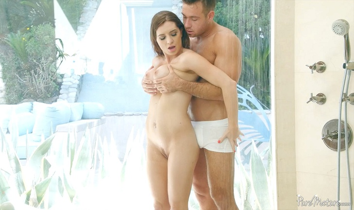 Veronica Vain – After Work Shower (PureMature.com)