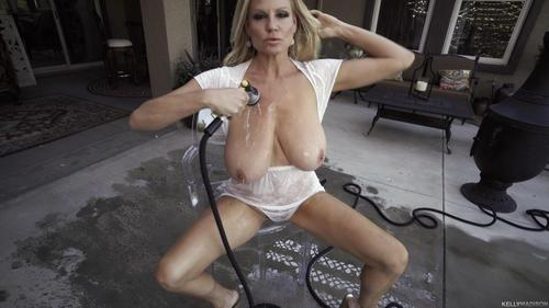 KellyMadison 17 07 07 Water Play