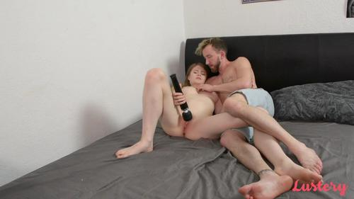 Lustery E51 Lucy And Hunter Get Naked