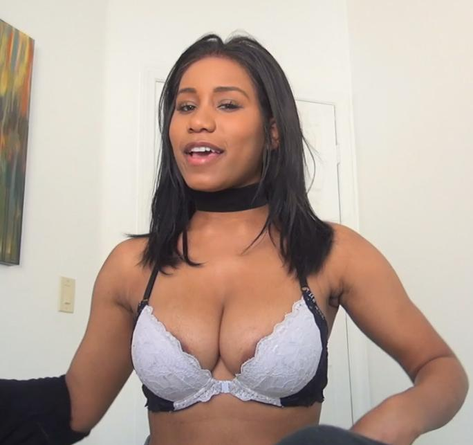Jenna Foxx - Fucks Her Roommate 06.07.17