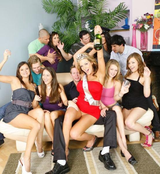 Kristina Rose, Small Hands, Ziggy Star, Joseline Kelly, Nikki Next, Amara Romani - Scorching Hot Babysitters Engaged In An Orgy 720p