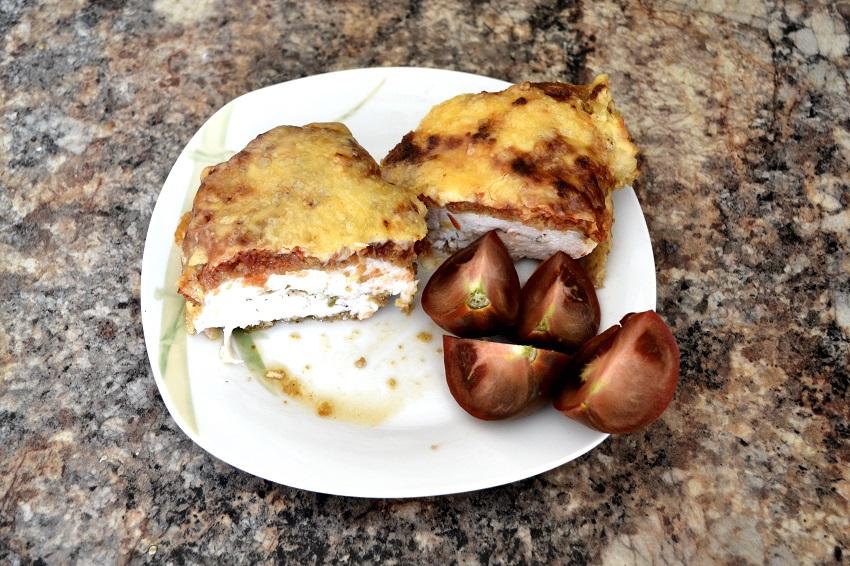Запеченное филе курицы под сыром