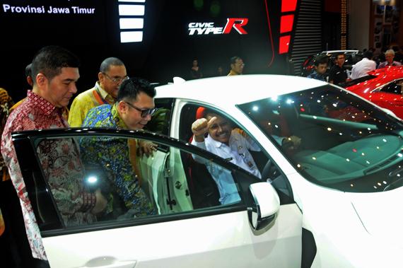Sekda  Pameran Mobil GIIAS Berimbas naiknya PAD Jatim