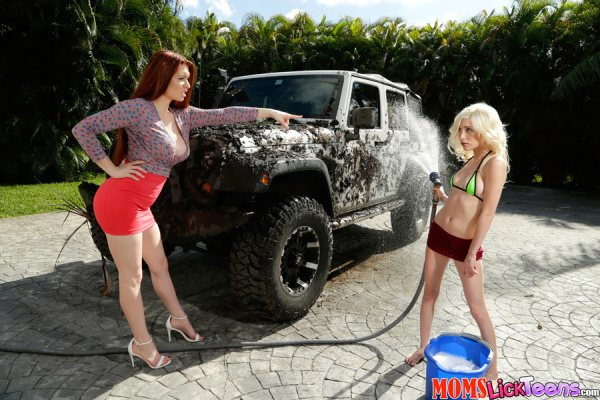 Veronica Vain, Piper Perri - At The Car Wash