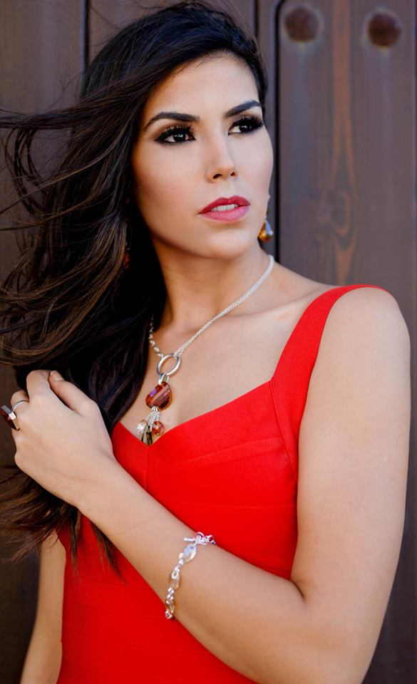sofia del prado, reyna hispanoamericana 2015, top 10 de miss universe 2017. - Página 2 Fkw8brny