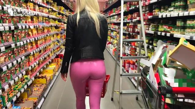 Lara-CumKitten – Public Latex Bitch – Vom Supermarkt ins Fremdfick Bett