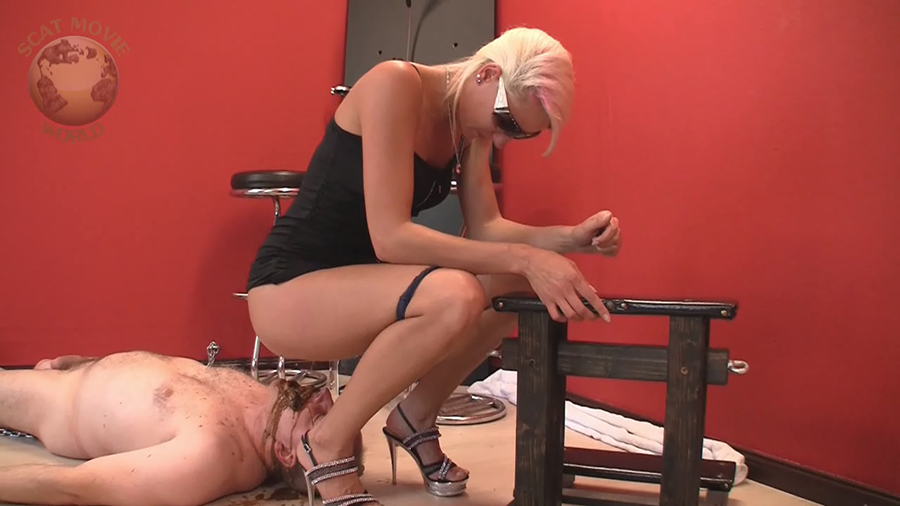 infinitely blonde uses fuck toys for solo playtime join told